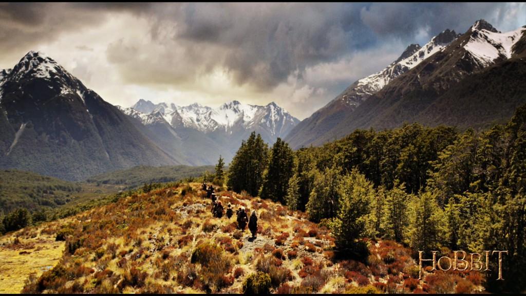 hegyen-völgyön át